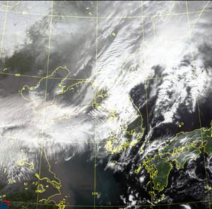 [일기예보]기상청 전국 지역별 오늘의 날씨 및 내일 날씨예보, 중부지방 중심 전국 곳곳 비 또는 눈, 주말 강추위[종합]
